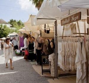 En el mercado de las Dalias se puede comprar de todo
