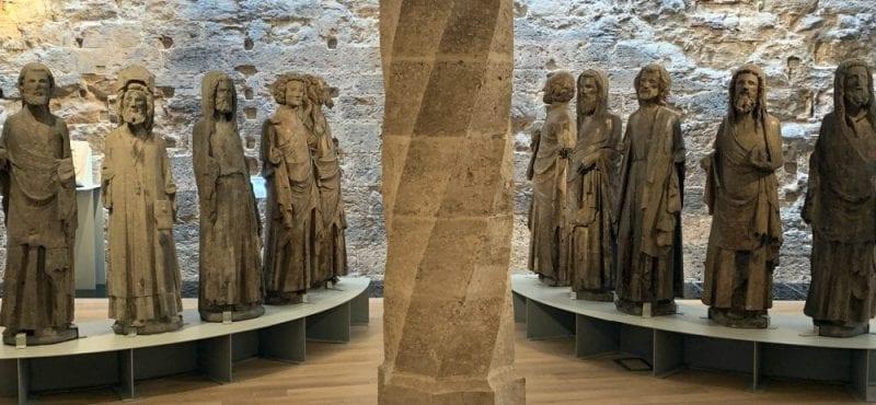 Esculturas de los doce Apóstoles en el museo Catedralicio
