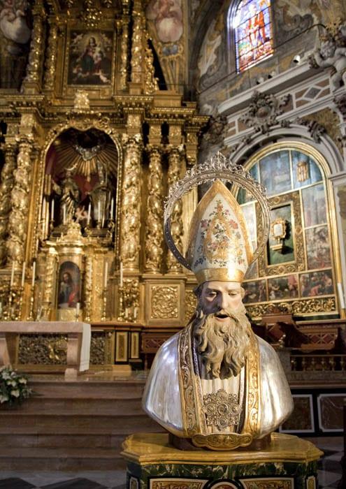 Busto dedicado a San Nicolás