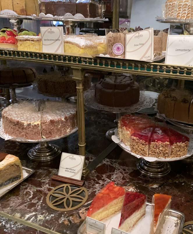 Bodegón de tartas en Demel