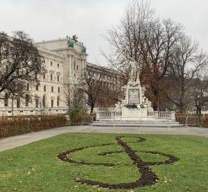 Viena está llena de símbolos relacionados con la música