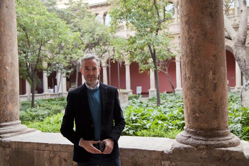 José Luis Pérez es el director del Centro del Carmen
