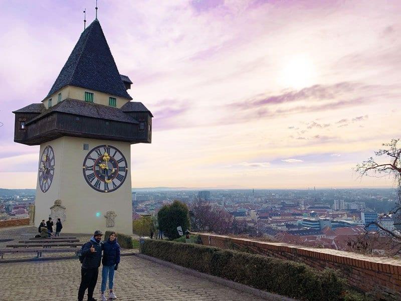 La torre del reloj se ve desde todos los rincones de Graz