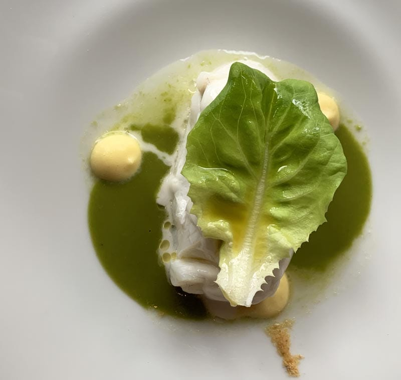 Ensalada de merluza, plato del menu Gijón Gourmet de La Salgar