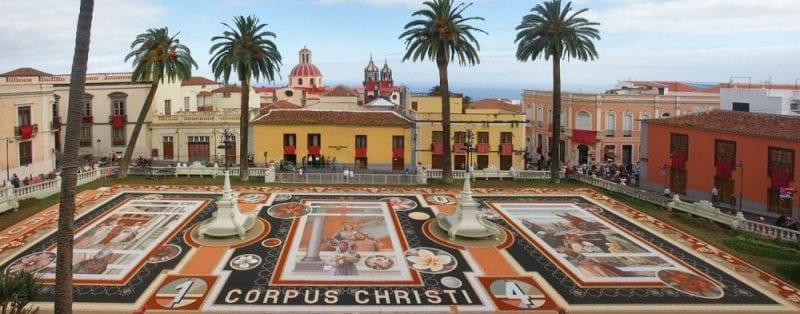 Detalle de las alfombras florales de La Orotava en Corpus