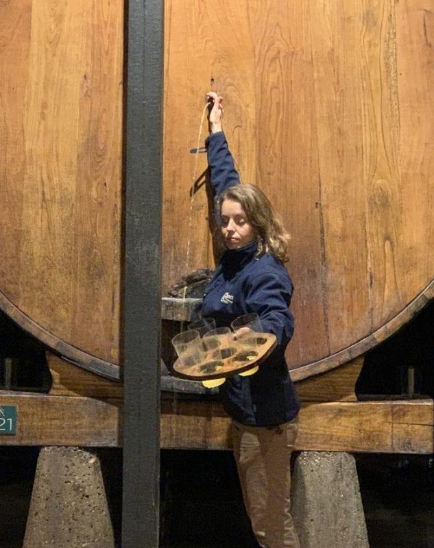 Durante la visita guiada se puede probar la sidra escanciada directamente del barril