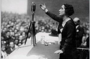 Clara Campoamor creía en la igualdad de derechos entre hombres y mujeres y luchó por el sufragio femenino