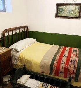 Detalle de una habitación en la ciudadela de Celestino Tomás
