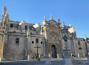 Fachada de la iglesia Mayor Prioral