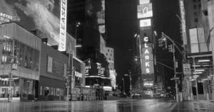 Captura de una live camera de Broadway ayer a las 20 horas