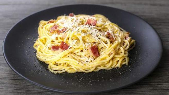 Plato de espagueti carbonara