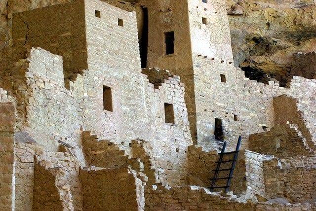 Detalle de las ruinas de Cliff Palace en Colorado, antiguo templo del sol