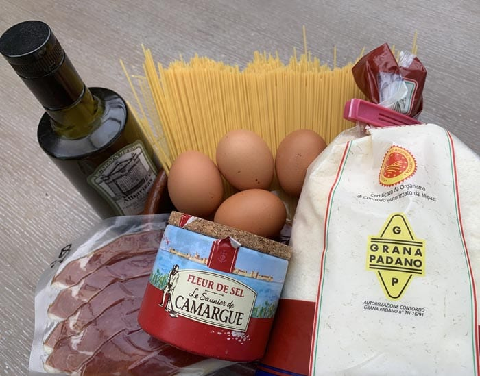 Ingredientes de los espaguetis carbonara