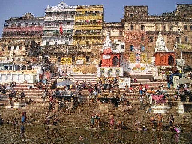 Benarés se ubica en el centro geográfico exacto del Ganges
