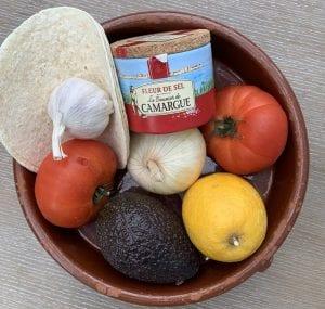 Ingredientes para preparar guacamole