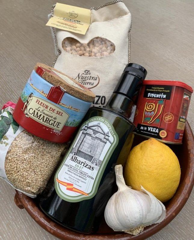Ingredientes para preparar humus al estilo árabe