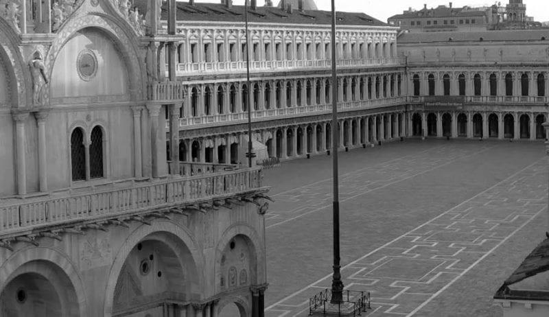 Triste imagen de la Plaza de San Marcos de Venecia