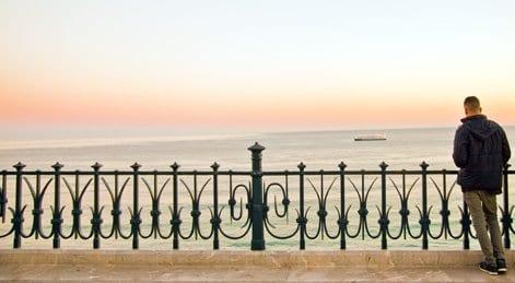 Desde el balcón modernista se contemplan los mejores atardeceres de Tarragona