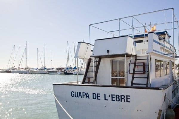 De Sant Carles de la Rápita parten barcos que recorren el Delta
