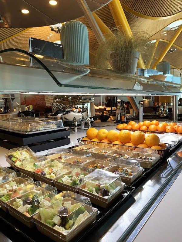 Detalle de los menús individualizados en la sala VIP de Iberia en Madrid