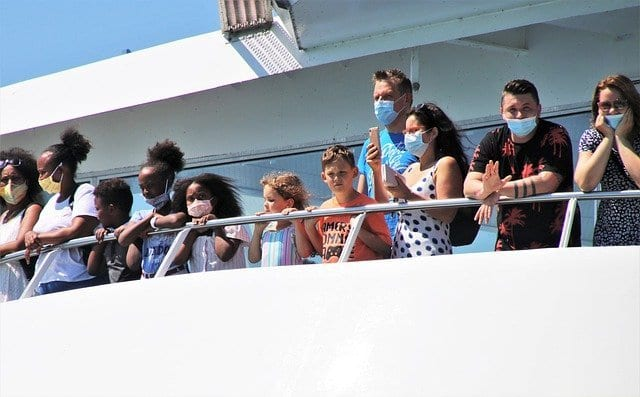Pasajeros en un ferry