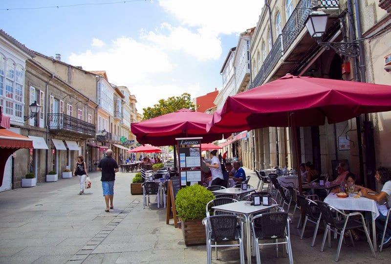 Calle comercial de Monforte de Lemos
