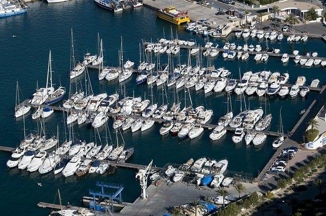 Vista aérea del puerto deportivo de Calpe