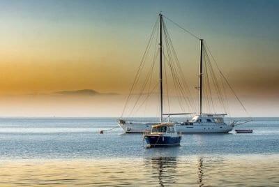 Atardecer costa blanca barco
